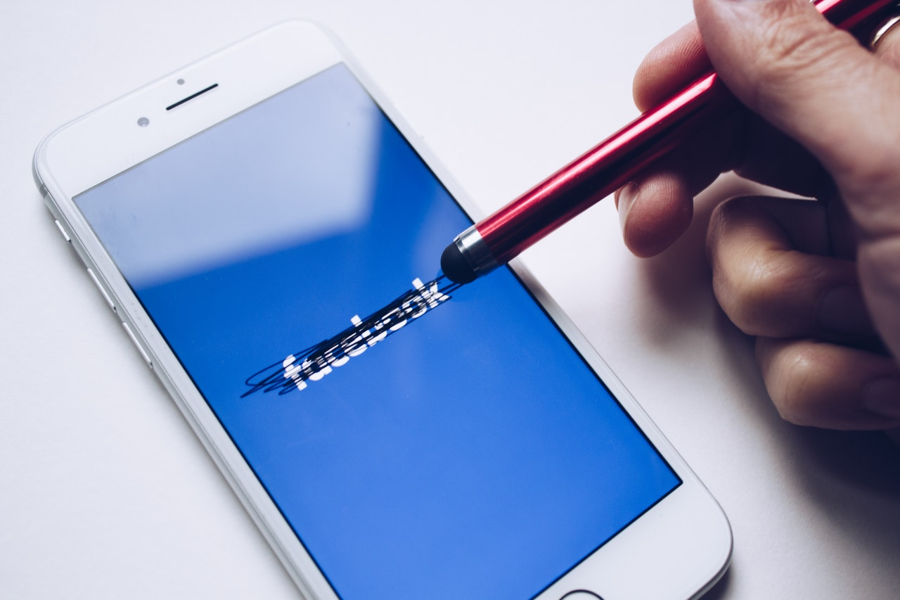 deleted facebook logo